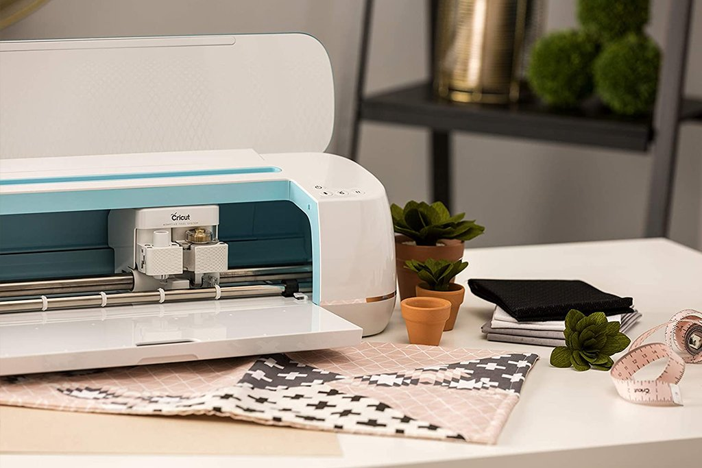 Best Fabric Cutting Machine - Cricut Maker