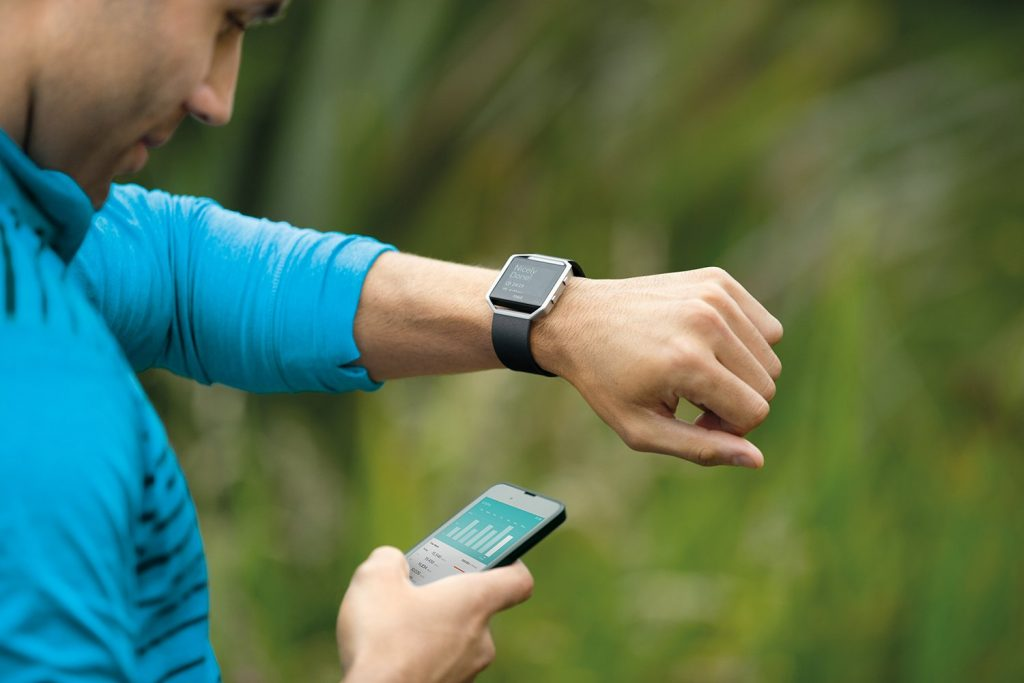 Fitbit Blaze vs Apple Watch Activity Tracking