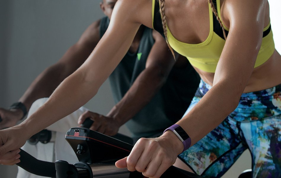 Fitbit Charge 2 vs Apple Smart Features
