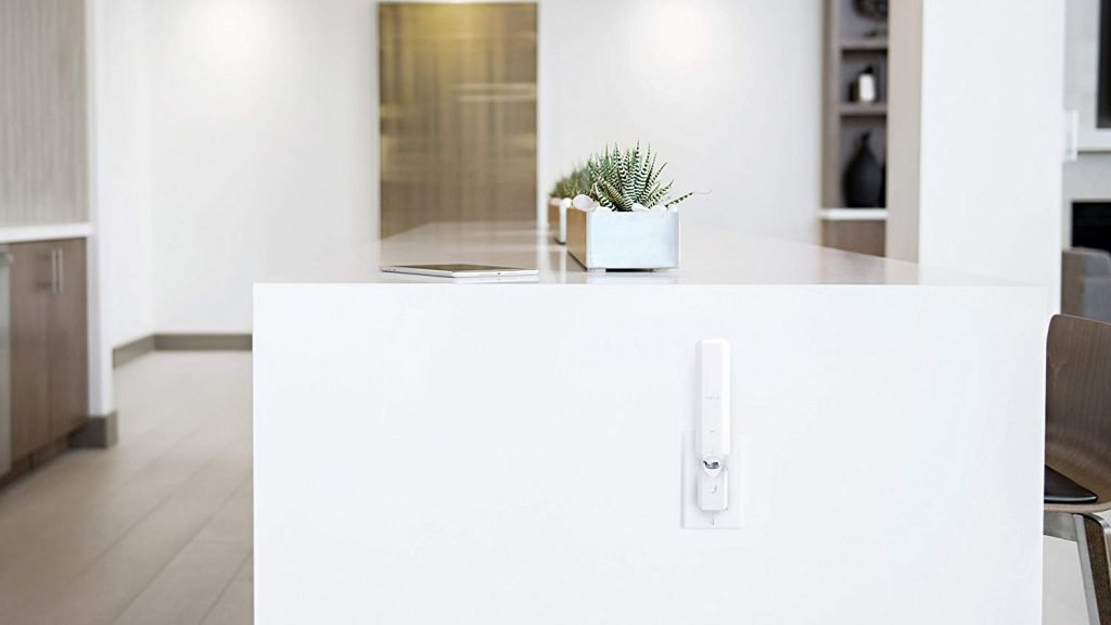 Google Wifi vs Ubiquiti AmpliFi HD Mesh WiFi Router Connectivity