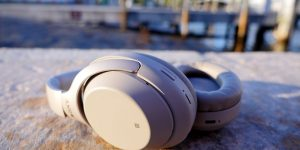 bose vs sony noise cancelling headphones
