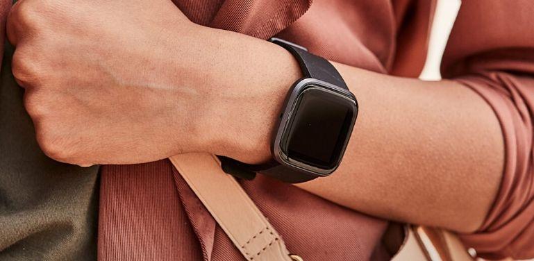 Galaxy Watch 3 vs Fitbit Versa 2