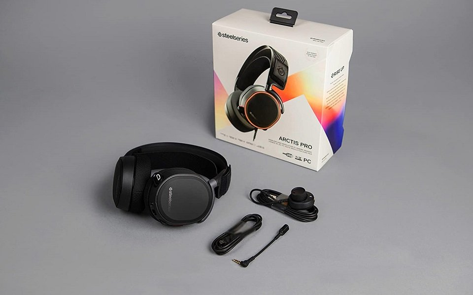 SteelSeries Arctis 7 vs Pro Battery and Other Features