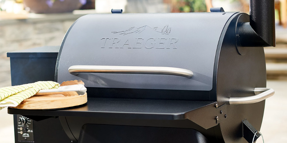 Traeger Ridgeland 572 vs Pro 22 Main Differences